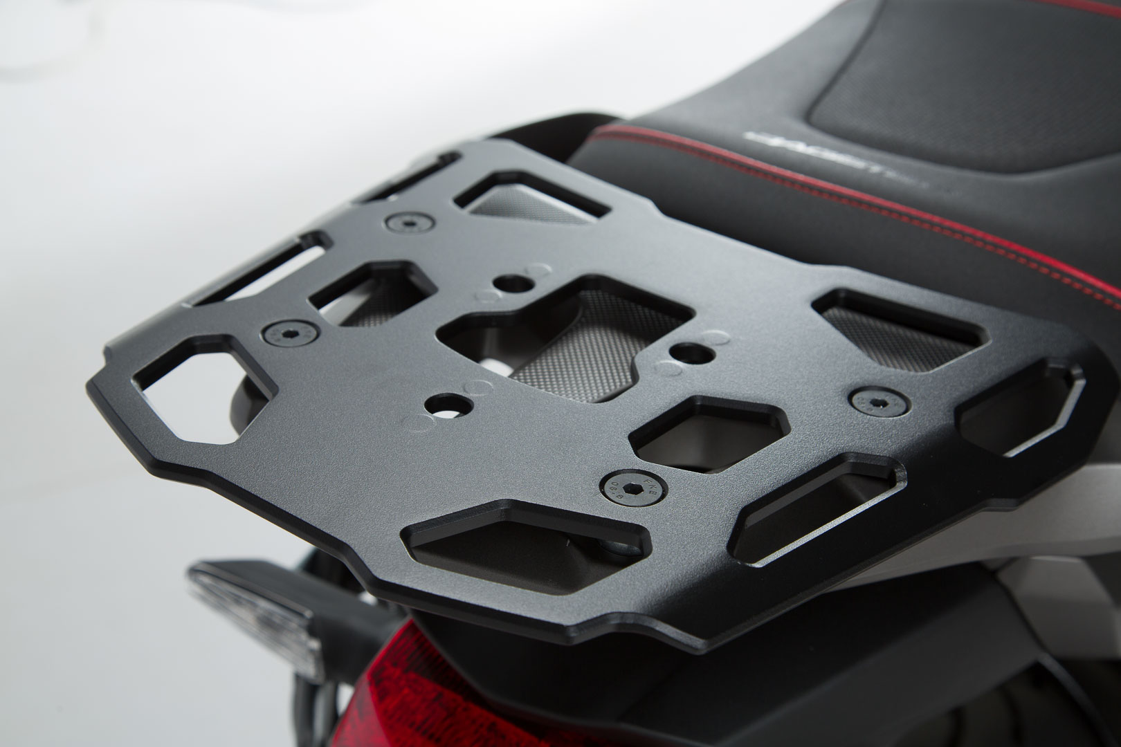 SW-Motech Alu-Rack peräteline Honda VFR1200X Crosstourer
