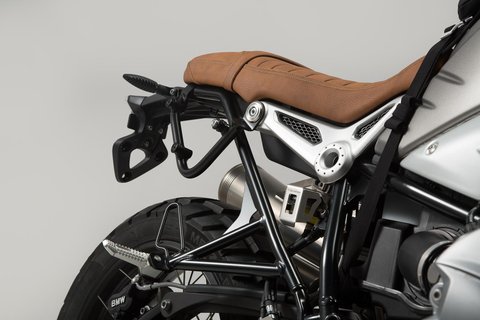 Legend Gear Side Carrier SLC right. BMW R nineT (14-). For LC1/LC2 -BMW sivuteline oikea