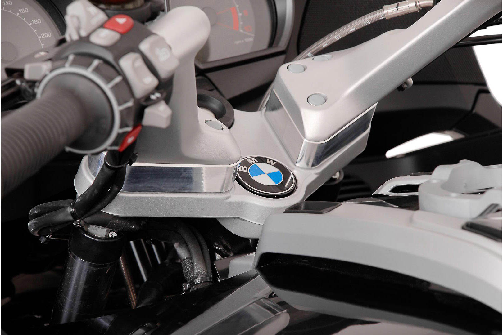 SW-Motech Tangonkoroke, kork. 25mm BMW R1200RT 05- hopea