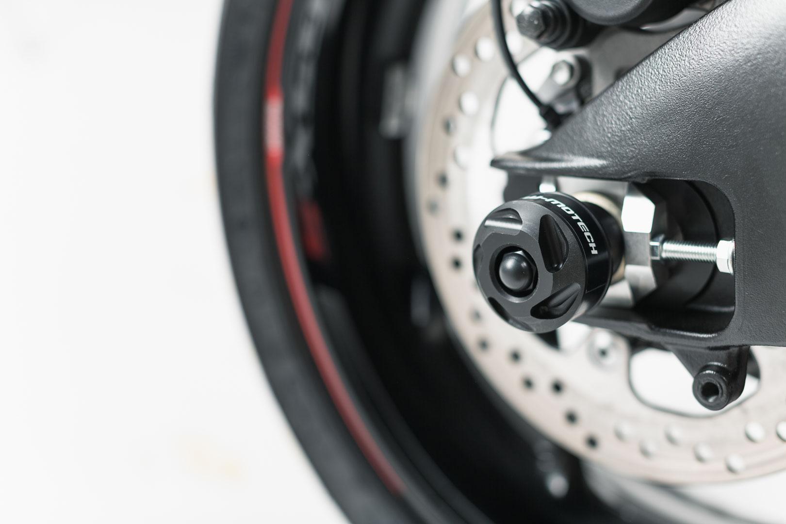 Slider set for rear axle Suzuki GSX-S1000 / F 15-