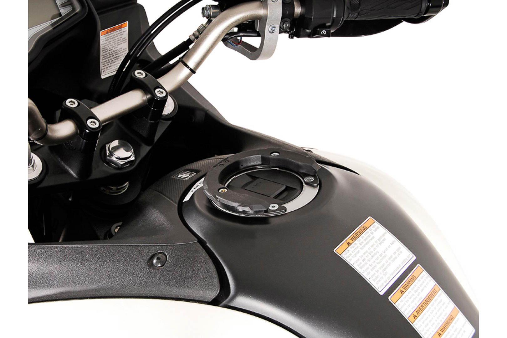EVO tankkilaukun kiinnike Suzuki 5 ruuvia