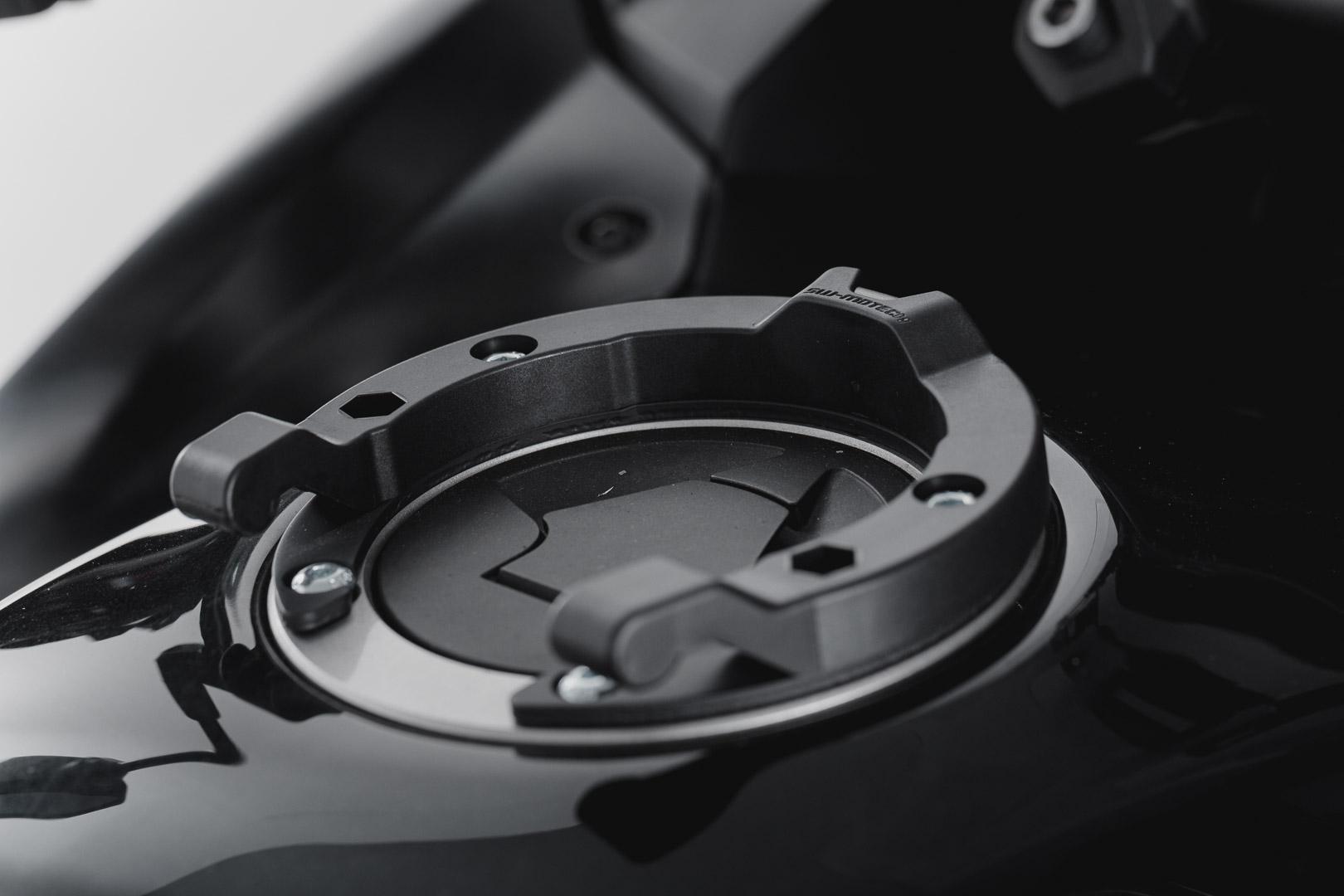 Quick-Lock tankkilaukun kiinnike Kawasaki 5 ruuvia