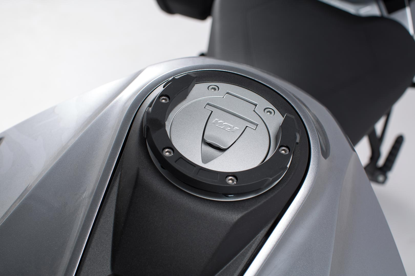 EVO tankkilaukun kiinnike, BMW/KTM/Ducati